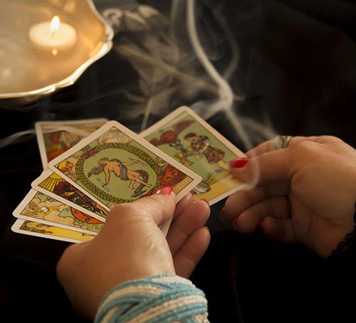 8 gợi ý giúp bạn chọn được bộ bài Tarot phù hợp 5